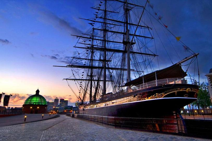 Cutty Sark shown at night from the side
