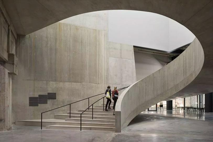 Circular concrete staircase at the Tate